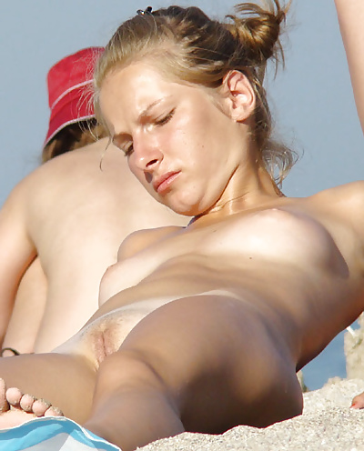 Full frontal nudity pics