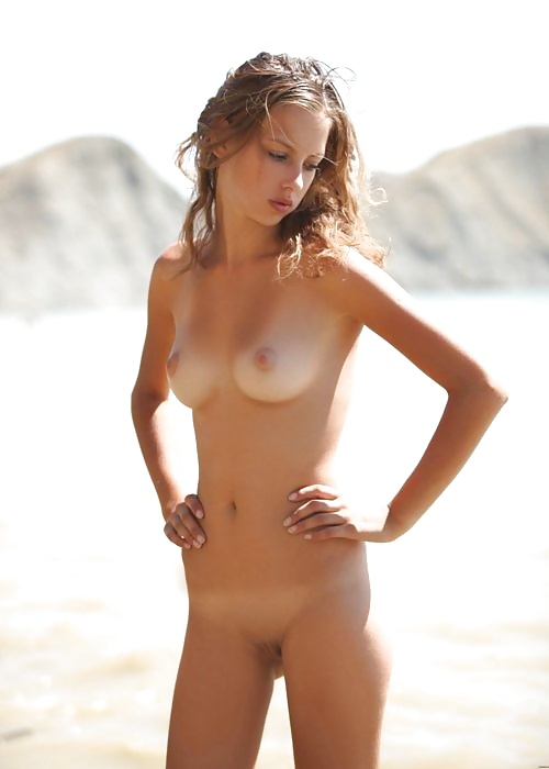 Nudist Tiny 109